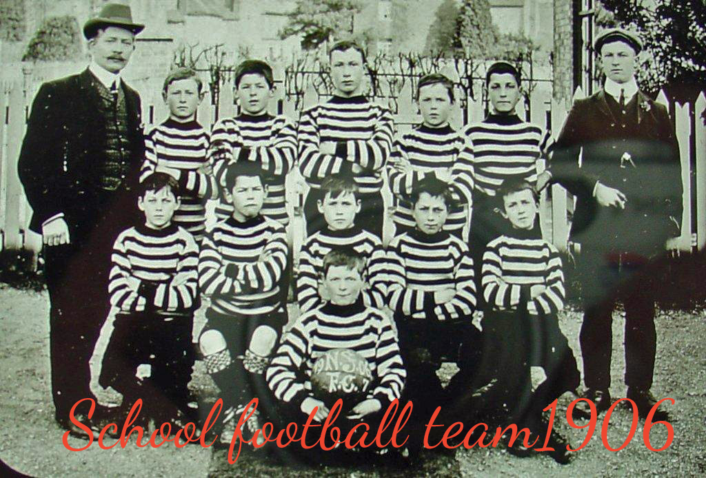003 School Football team 1906 copy